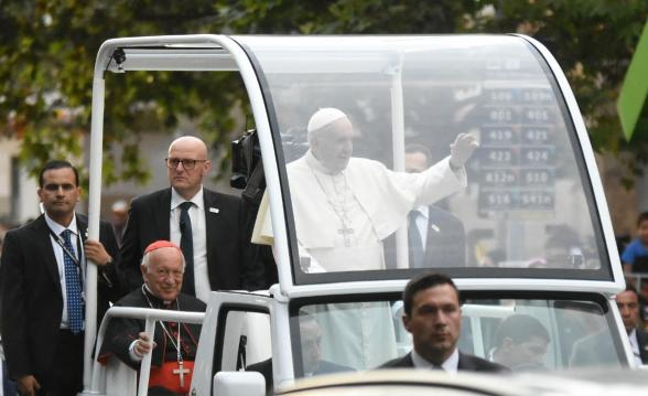 Papa Francisco Visita Gira América Latina Chile Papamóvil Fieles Seguridad Comitiva