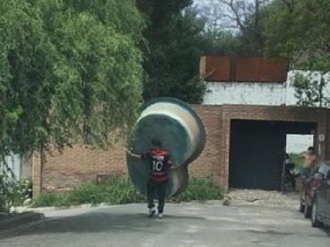 Ola de robos en San Salvador: se llevaron una pileta caminando - El Doce