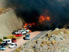 Incendio autos Rally