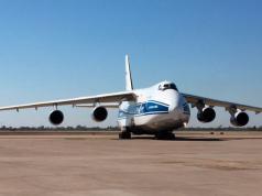 El Antonov 124 es el cuarto avión más grande del mundo.