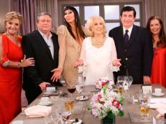 Consuelo Peppino se sentó a la mesa de Mirtha Legrand.