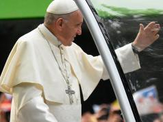 papa-francisco-santiago-de-chile-gira-america-latina-golpe-objeto-parque-ohiggins