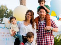 familia-lionel-messi-antonela-roccuzzo-bautismo-hijos-cesc-fabregas