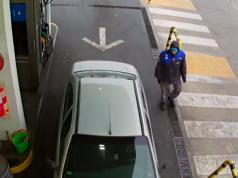 mujer-cargo-combustible-huyo-sin-pagar-estacion-servicio-ypf-barrio-marques-de-sobremonte