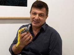 hombre banana obra miami