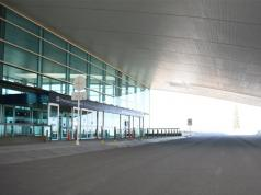 Aeropuerto vacio cordoba pandemia coronavirus