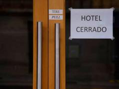 hotel-cerrado-cordoba-informe-noticiero-doce.jpg