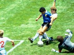 homenaje-diego-maradona-dia-nacional-futbol