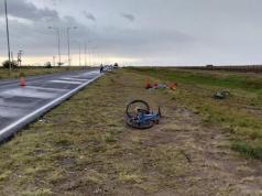 accidente-transito-muerte-ciclista-camioneta-circunvalacion-policia