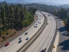 maniqui-california-estados-unidos-autopista