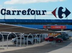 Carrefour no cerrará ni habrá despidos.