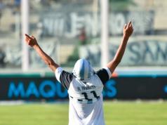 Araujo festeja el gol del Matador