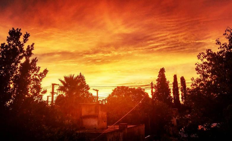 Lionel y el amanecer de 25 grados en Córdoba.