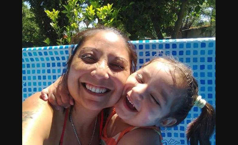Selfie piletera. Foto de Analía Favaro.