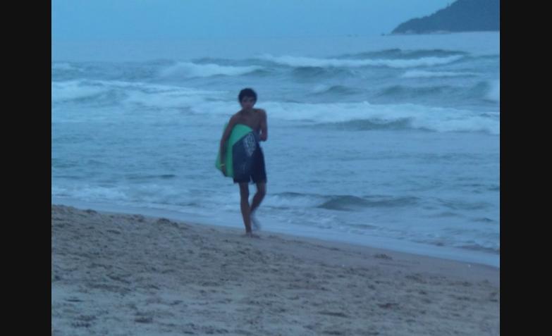 Las olas y el viento, y el frío del mar. Foto de Silvia Mónica Mercado.