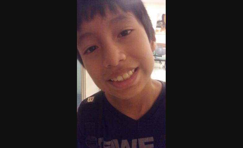 Matías y su foto selfie de alegría por la vuelta al cole.