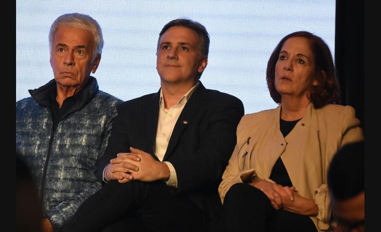 Union por Cordoba Schiaretti Llaryora De La Sota Vigo cierre campana