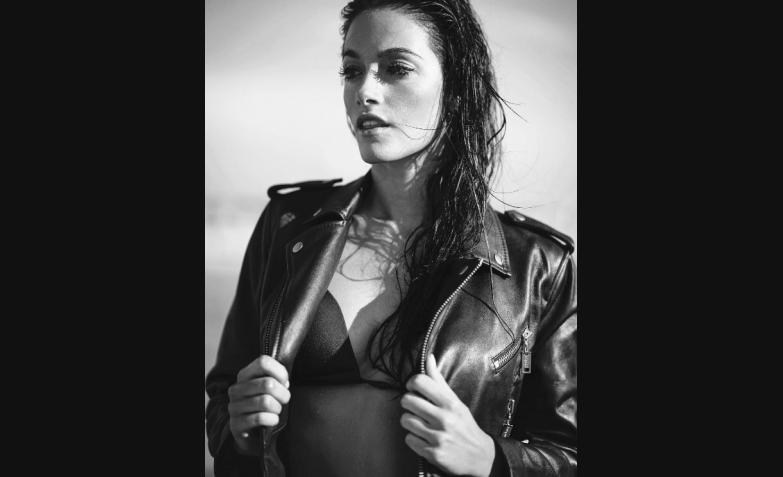 oriana sabatini fotos topless playa arena redes sociales
