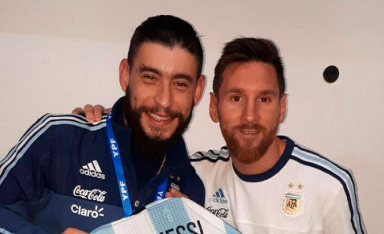 Ulises Bueno y Lionel Messi