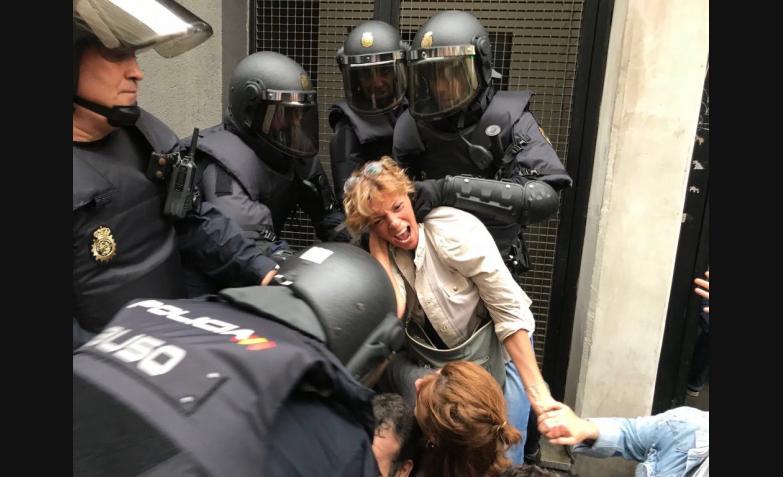 enfrentamientos y heridos por el referéndum en Cataluña
