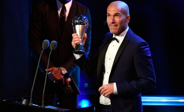 diego maradona lionel messi cristiano ronaldo the best antonela roccuzzo rocio oliva premios fifa