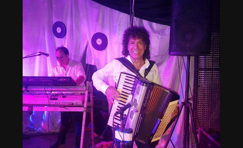 La Mona Jimenez en el baile del recuerdo / Fotos: Flavio Castelló, Cuarteteando, ElDoce.tv
