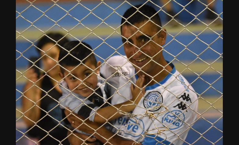 Belgrano Huracan Superliga Primera División Fútbol Gigante de Alberdi Hinchas