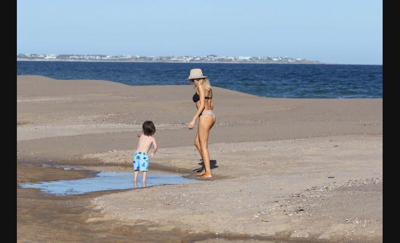 las vacaciones de Tinelli y Guillermina en Punta del Este