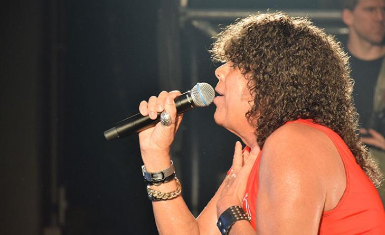 Mona Jimenez regreso