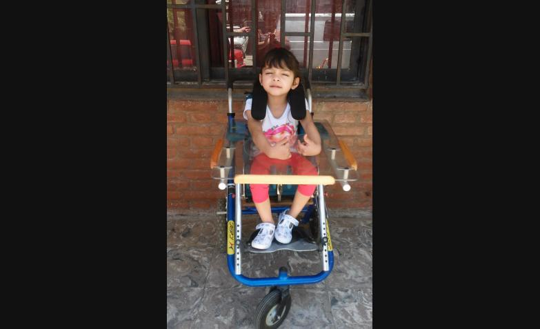 brianna contreras silla de ruedas postural