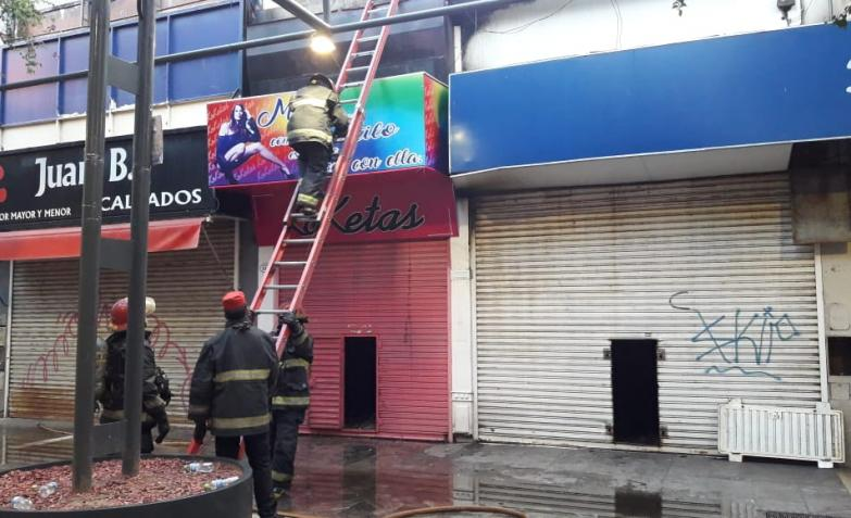 incendio en río shop