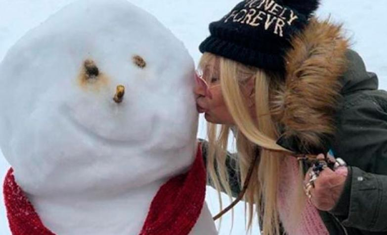 betty olave madre ulises rodrigo muñeco de nieve