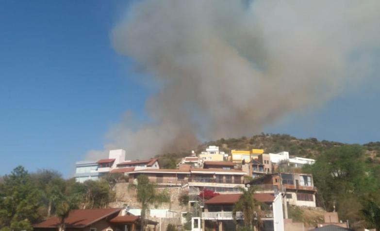 incendio-fuego-carlos-paz