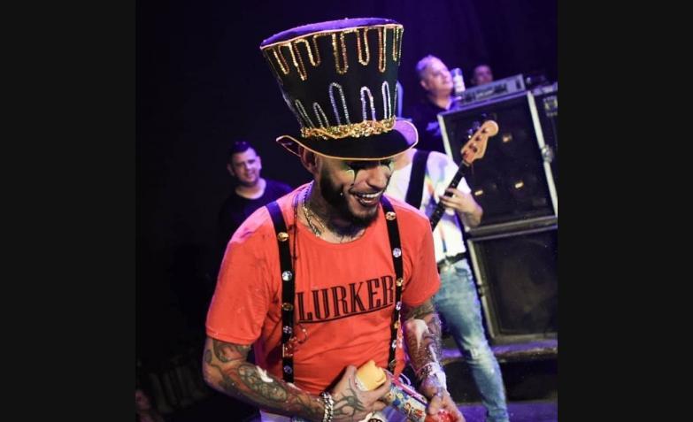 ulises bueno arlequin carnaval