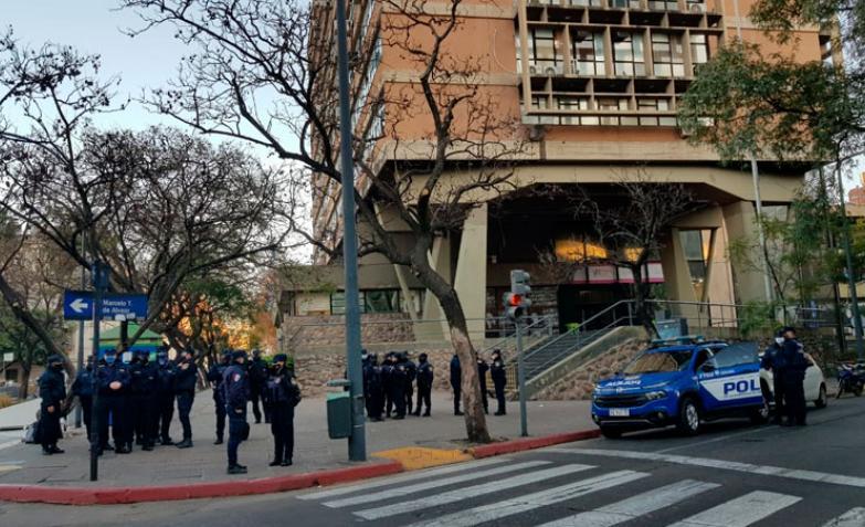 Conflicto municipal: el operativo en medio de la tensión por otra marcha del SUOEM. / Foto: El Doce