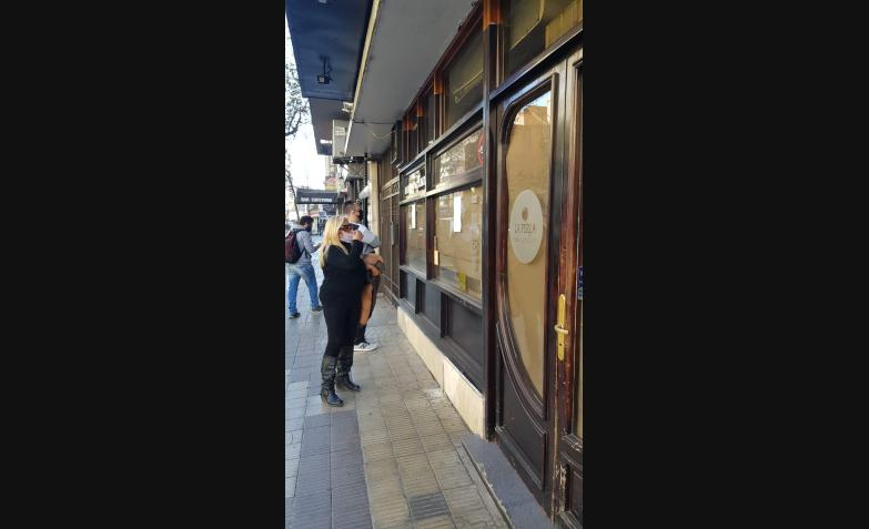 cierre-restaurante-la-perla-cuarentena