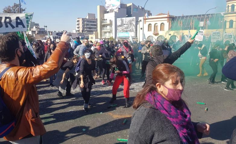 Protesta del SUOEM: cortaron puentes de acceso al centro de Córdoba. / Foto: El Doce