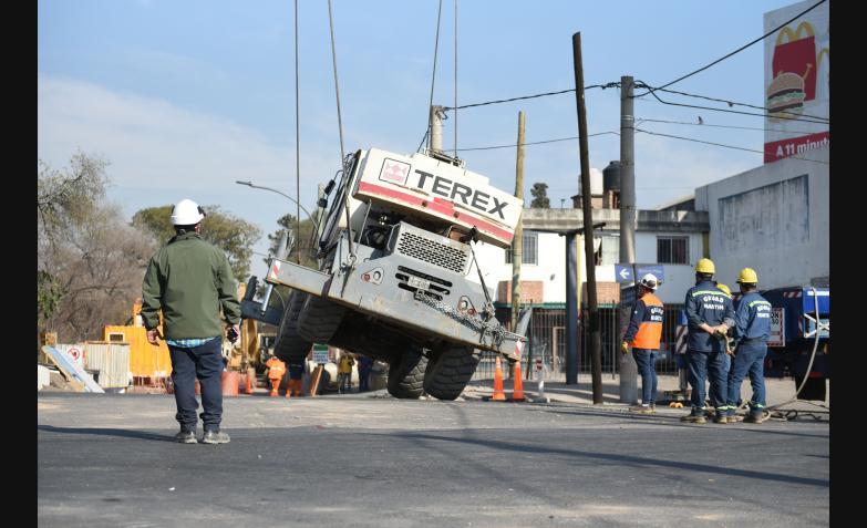 Rescate-Grua-Hundida-Costanera-Norte-Cordoba
