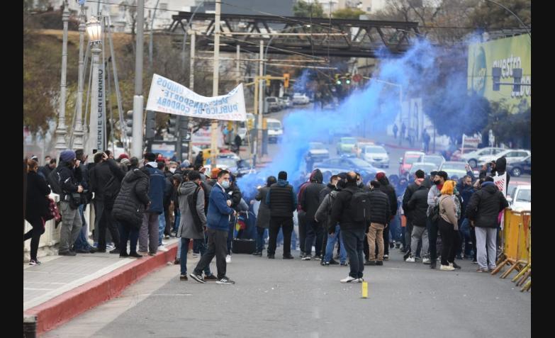 Protesta UTA corte puentes emergencia transporte cordoba.jpeg