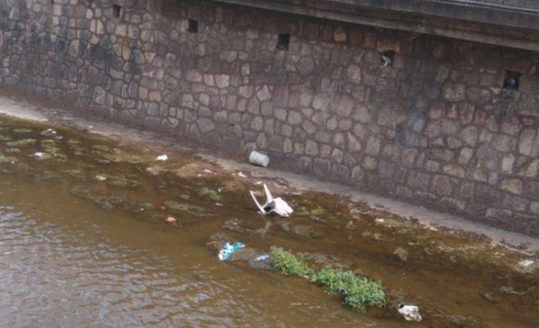 basura la cañada cordoba limpieza residuos objetos