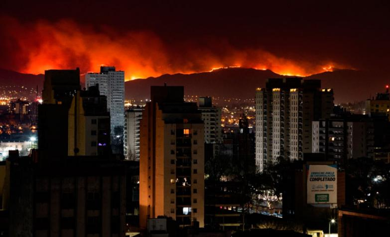 cordoba-incendios-desde-la-ciudad-eldoce.jpg