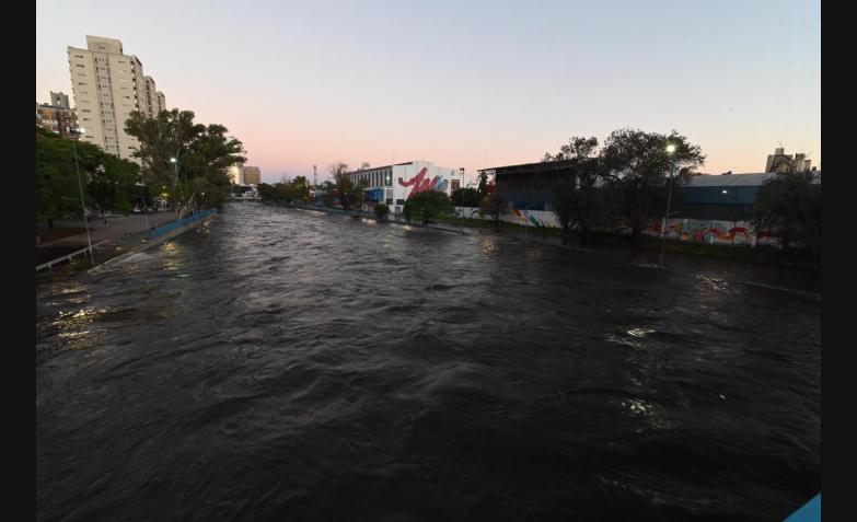 Desborde-río-Suquía-Costanera-Cordoba-Creciente