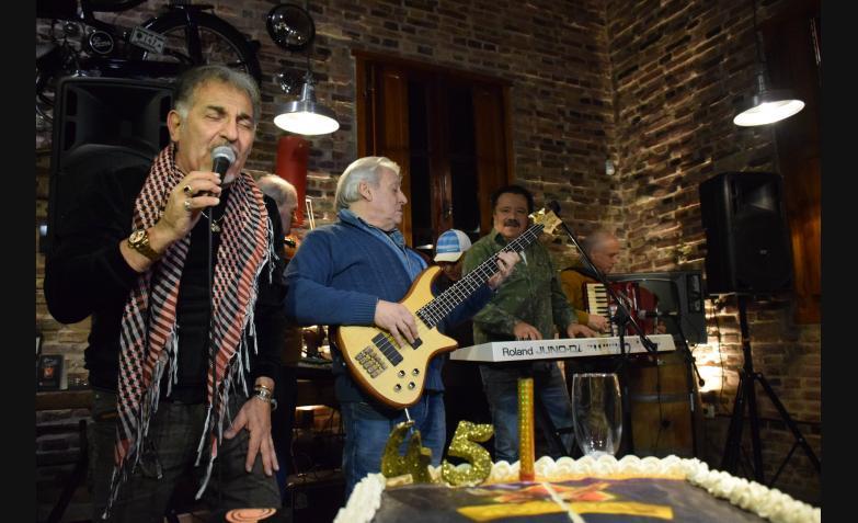 chebere aniversario 45 años turco julio negro videla beto guillen