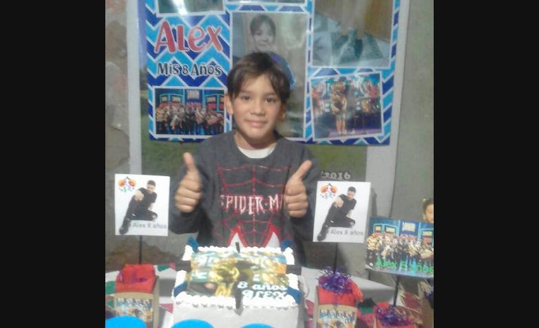 nene 8 años cumpleaños torta damian cordoba damianero