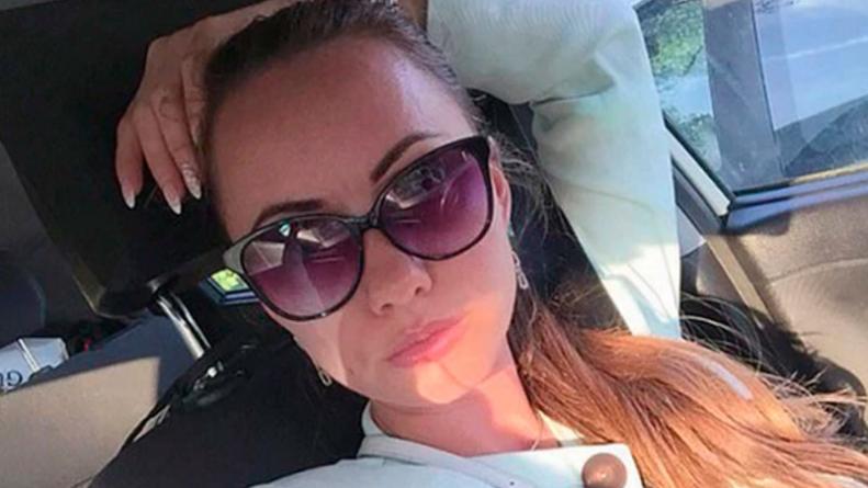 Arrestaron A La Amiga De La Joven Que Murió Al Colgarse Del Auto