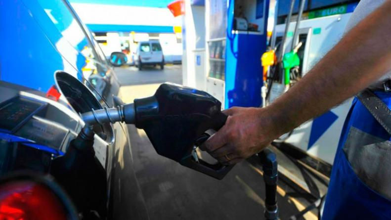 Abril comenzará con un nuevo aumento en el combustible