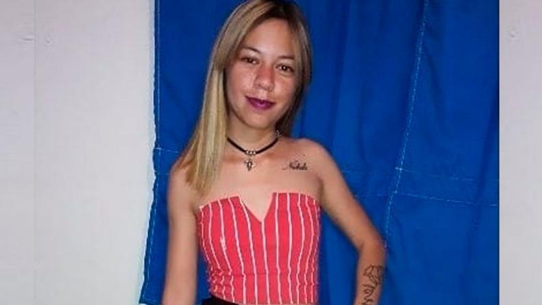 Piden justicia tras el suicidio de una joven de 19 años violada por su  padre - ElDoce.tv