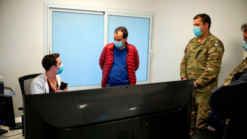 guardias-medico-trucho-del-coe-oficina-ignacio-martin.jpg