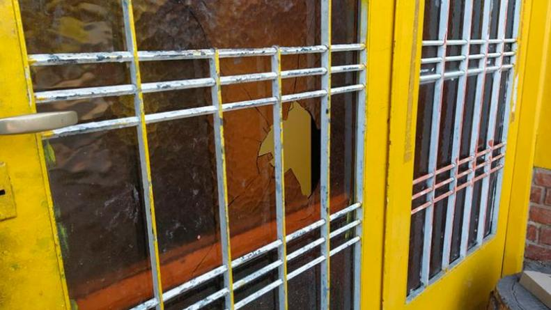 crimen-robo-rotiseria-barrio-jose-hernandez-cordoba
