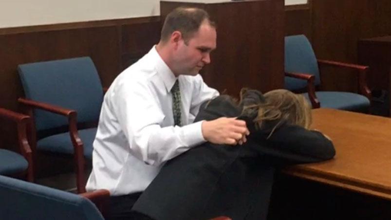 Profesora fue condenada a un año de cárcel por violar a alumno